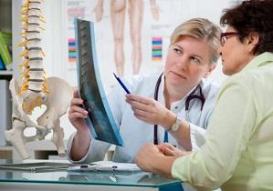 искривление позвоночника к какому врачу обратиться