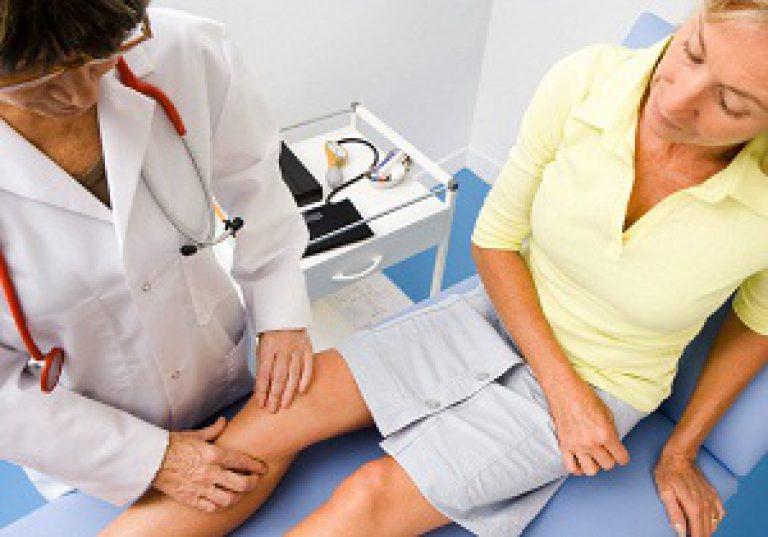 какой доктор вылечивает коленные суставы